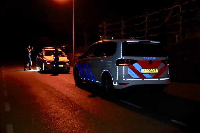 Politiewagens snelden naar de woning in Zundert nadat een ruzie daar uit de hand liep.