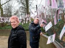 Slingers met mooie boodschappen in Rhenen: 'Het is net de Efteling'
