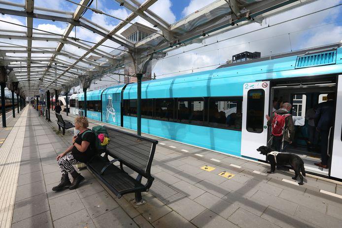 Een treinstel van Arriva.
