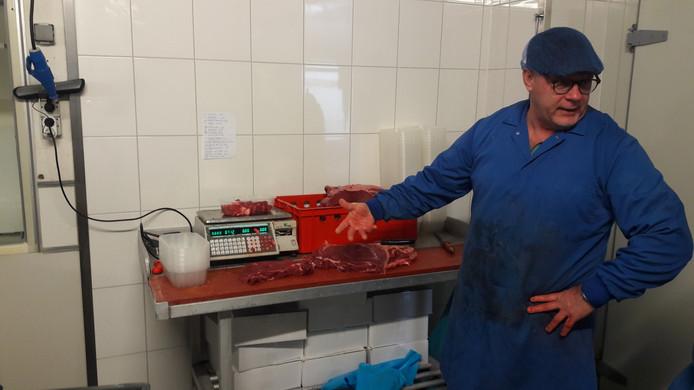 Marcel Vuurman verkoopt met zijn bedrijf Voordelig Vlees Voor Iedereen uit Esch via besloten Facebook-groepen vlees door het hele land.