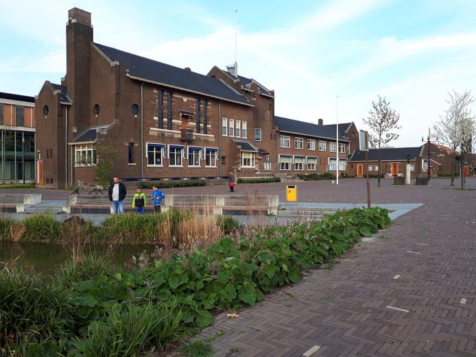 De gemeente Zwijndrecht neemt voor lief dat ze de komende jaren structureel een kleine 2 miljoen euro tekort komt.