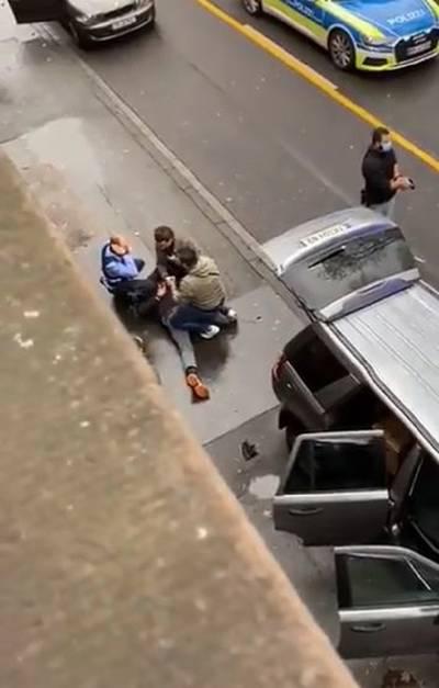 suv-raast-door-voetgangersgebied--zeker-2-doden-onder-wie-kind-en-mogelijk-15-gewonden