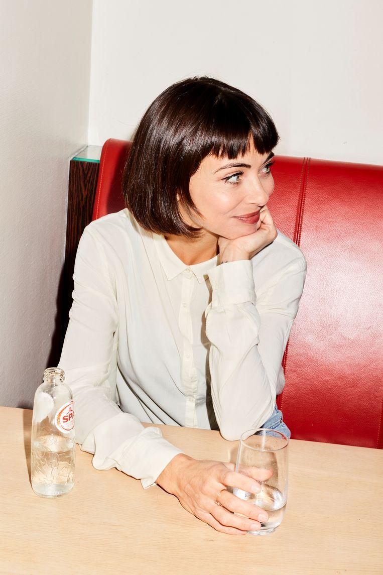 Georgina Verbaan: ' Ik merk ook dat ik het leuk vind onder schrijvers te zijn, misschien liever dan onder acteurs.' Beeld Valentina Vos