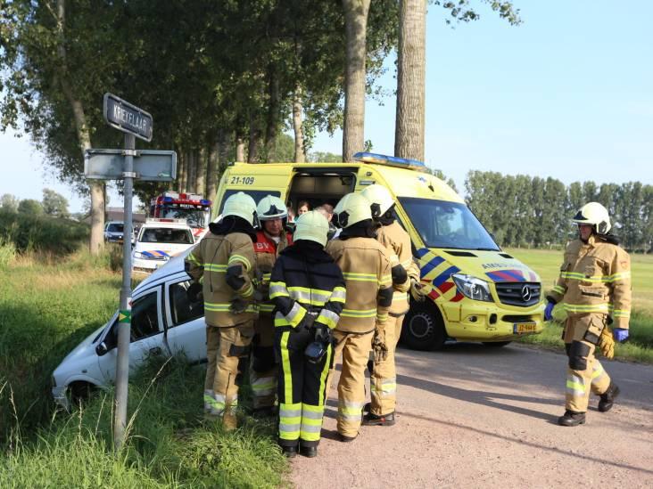 Beschonken bestuurder rijdt auto in sloot bij Gemonde