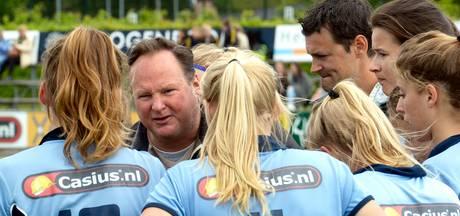 Oud-coach Potter wenst #Bluesisters geluk
