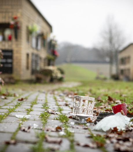 Oldenzaler (66) die urnenmuur vernielde al eerder aangehouden voor soortgelijk misdrijf