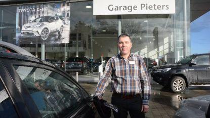 Vandalen beschadigen auto's bij Garage Pieters