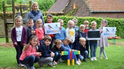 Leerlingen VBS Sint-Katrien observeren koolmeesjes