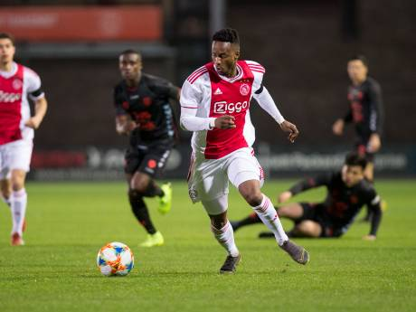 Jong Ajax geeft het weg tegen Jong FC Utrecht, Almere City wint restant