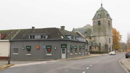 Gevel van café Onder De Toren wordt vernieuwd