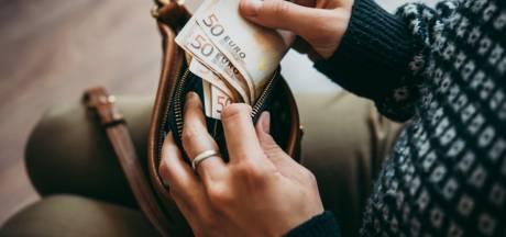 Waarom het niet verstandig is om je geld van de bank te halen en thuis te bewaren