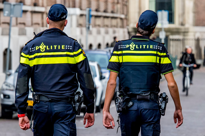 Politieagenten in Den Haag ROBIN UTRECHT