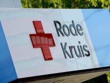 Rode Kruis schenkt wagen aan Tilburgse stichting Sierra Leone Youth Initiative