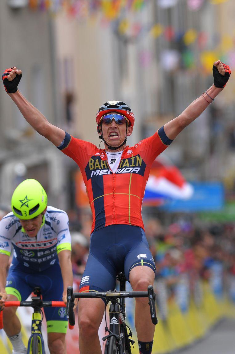 Guillaume Martin op de fiets. Beeld Getty