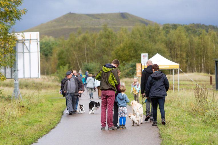 Elf nieuwe wandelroutes tussen twee en zestien kilometer werden gisteren voorgesteld.