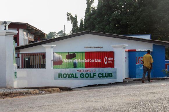 De golfclub in Kumasi waar de jonge vrouwen waren ontvoerd.