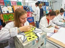 Leerlingen Udens College gaan hun eigen werken tentoonstellen in Uden: 'We zijn te spreken over de kwaliteit'
