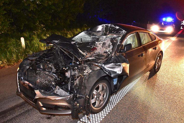 Een 62-jarige automobilist uit Kortrijk reed op de E403 met zijn Audi A5 in op een vrachtwagen.