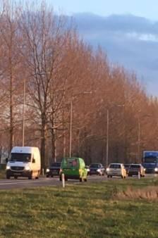 Zorgen bij het CDA: steeds vaker files op provinciale weg N267 bij Heusdense brug