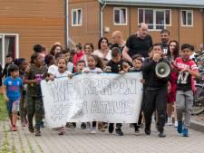 Lawaaiprotest in Goes voor ruimer kinderpardon en openhouden AZC