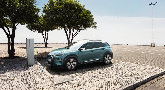 De elektrische Hyundai Kona is inmiddels te te bestellen, maar de levering begint na de zomer