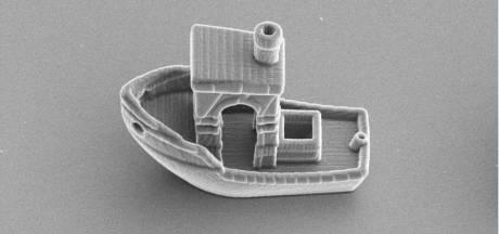 Leidse onderzoekers 3D-printen kleinste boot ter wereld