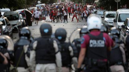 Fans River Plate vallen bus van rivaal Boca Juniors aan met stenen: spelers gewond, wedstrijd met een dag uitgesteld