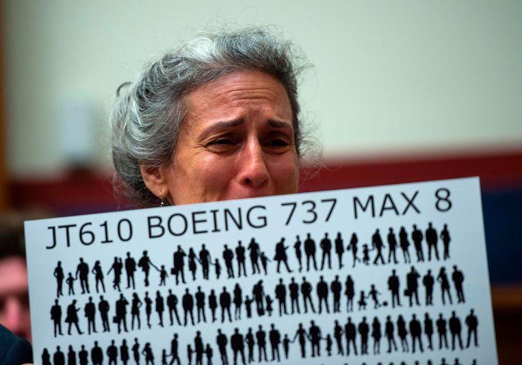 Nadia Milleron, de moeder van een van de omgekomen passagiers van vlucht 302 van Ethiopian Airlines, tijdens een hoorzitting in de Verenigde Staten over de veiligheid van 737 Max-toestellen. Beeld AFP