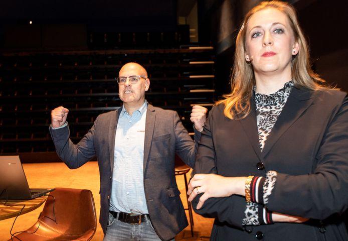 Carlo van Esch viert het feit dat zijn PGB wederom de grootste partij van Oisterwijk is geworden. Anne Cristien Spekle ziet haar VVD als tweede eindigen.