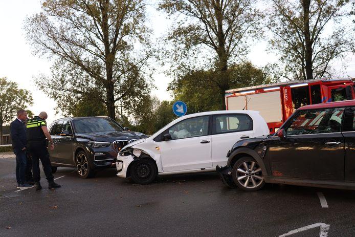 Twee van de drie auto's moesten worden weggesleept.