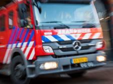 Brand woedt in schuur met hooi en stro in Herkingen