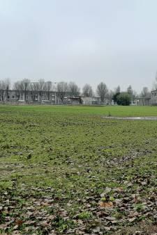 Braakliggend terrein aan Noordendijk verandert tot er een villawijk wordt gebouwd in een bijzonder park