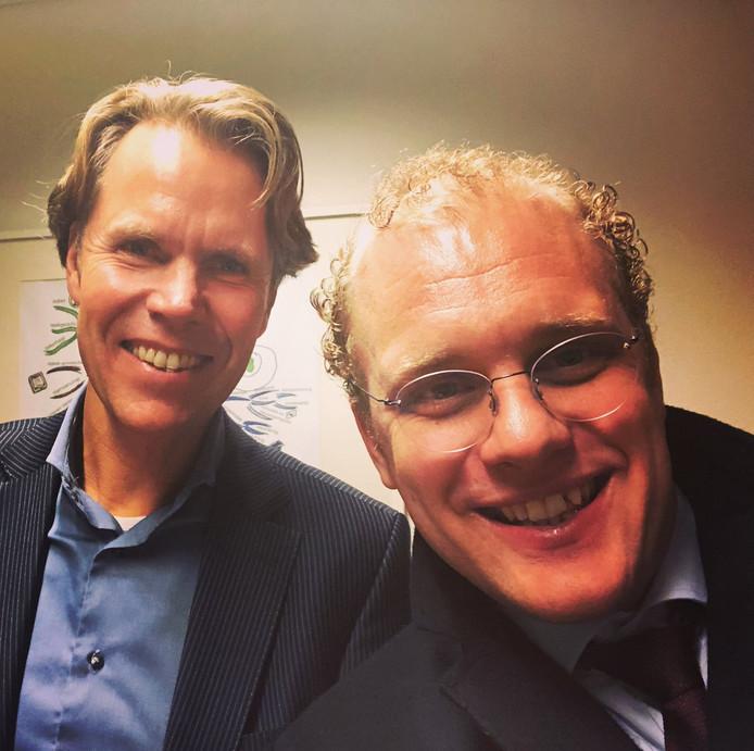 """Joris Bengevoord twitterde deze selfie met vertrekkend gemeentesecretaris Alwin Oortgiesen: ,,Jammer dat hij weggaat."""""""