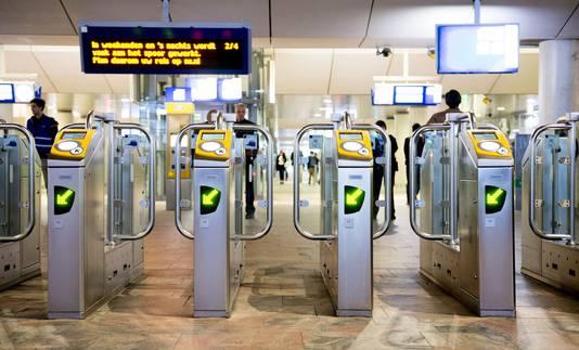 Het plaatsen van toegangspoortjes was een van de maatregelen om de veiligheid op stations te verbeteren