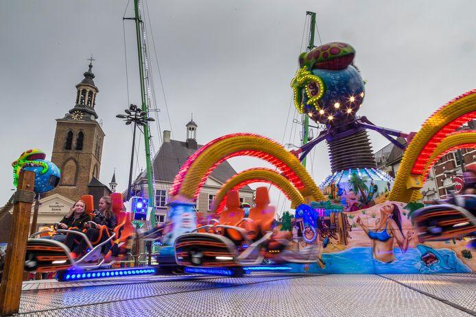 De kermis trekt ook veel bezoekers van buiten Roosendaal naar de stad.