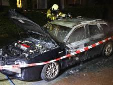 Weer autobrand in Oss: dit keer in de Molenstraat