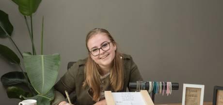 Judith (18) handlettert erop los: 'Een persoonlijke tekst is toch veel leuker'