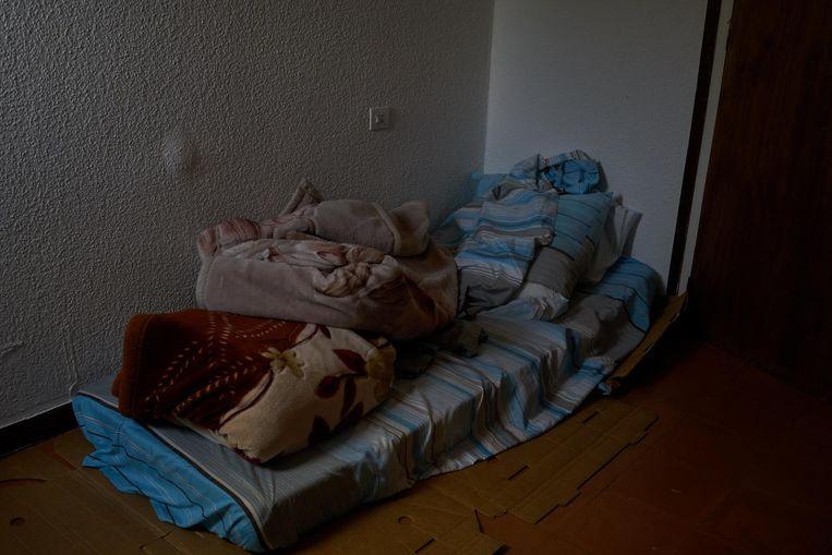 Het huis van de imam in Ripoll nadat het doorzocht is door de politie. Beeld Samuel Aranda/de Volkskrant