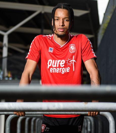 Ebuehi blij met FC Twente: 'Een grote club die me wél wilde'