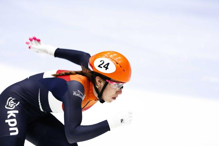 Suzanne Schulting in actie tijdens de finale van de 1.500 meter van het EK shorttrack. Beeld null