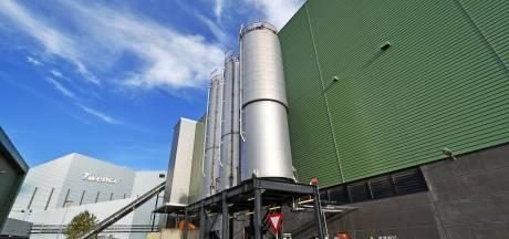 Einde subsidie houtstook treft Twents aardgasvrij plan, maar de schoorsteen van Twence blijft roken