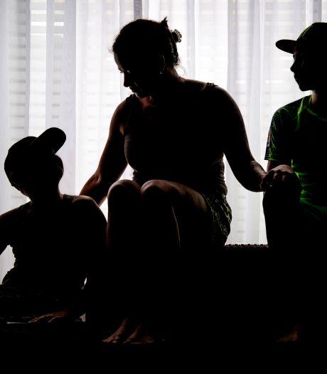 Wanhopige Wendy (38) en haar kinderen moeten hun huis uit: 'Waarom worden wij gestraft voor zijn daden?'