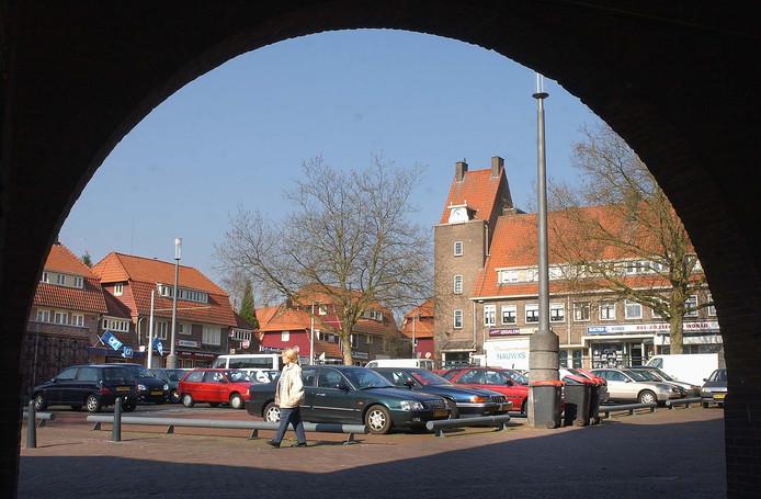 Het verbod geldt niet alleen voor het Marktplein. Ook in omliggende straten als H. van Kolstraat, Creutzbergerstraat, Dr. Wagenaarstraat en Druckerstraat mag er straks op straat geen alcohol meer worden genuttigd.