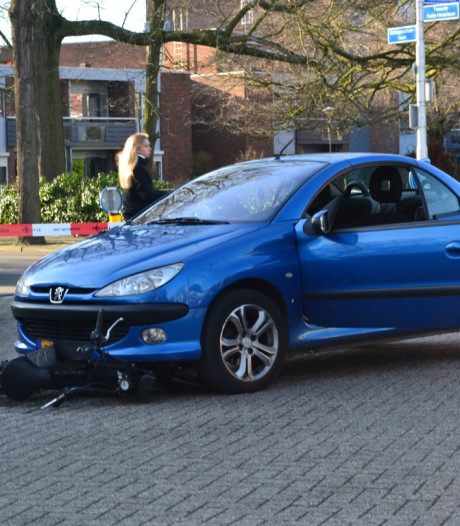 Snorfietser gewond door ongeval met auto in Nijmegen