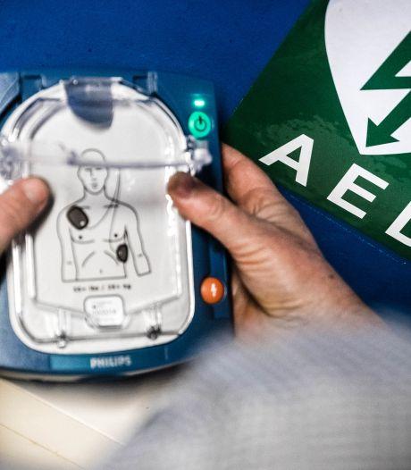 Subsidie voor nieuwe AED op sportpark 't Heereind
