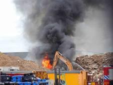 Grote brand in houtshredder op industrieterrein Waalwijk onder controle