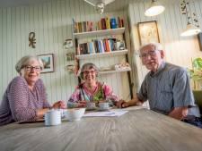 Enschedese ouderen overvallen door stoppen buspas 65-plussers