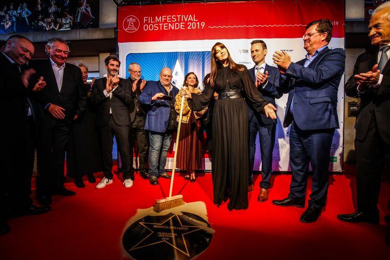 Monica Belluci onthulde een 'valse' ster onder de luifel van het Kursaal