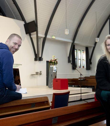 Unieke kerkdienst op TikTok richt zich op Enterse jeugd: 'We willen geloof bij hen terugbrengen'