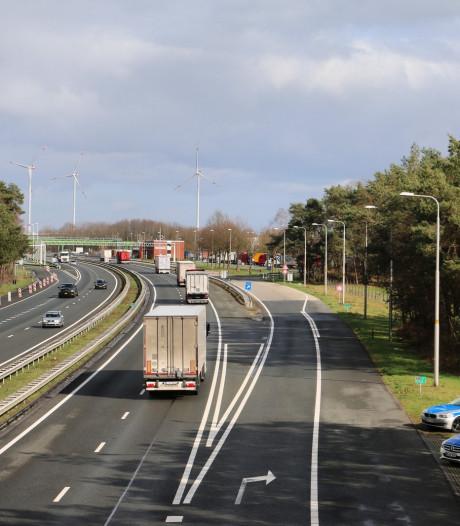 Duitse politie controleert bij grensovergang De Lutte na schietpartij in Utrecht